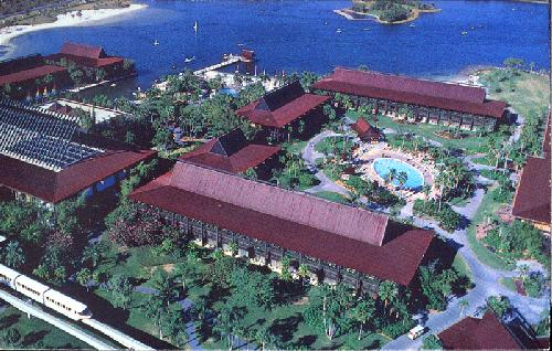 0100-12102 THE POLYNESIAN VILLAGE